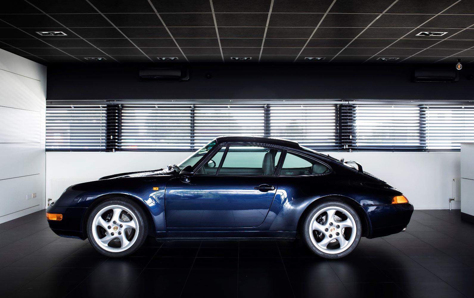 Porsche 993 Carrera 2 handgeschakeld verkocht