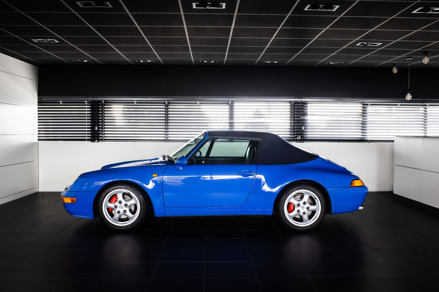 Porsche 993 Cabriolet Tiptronic verkocht