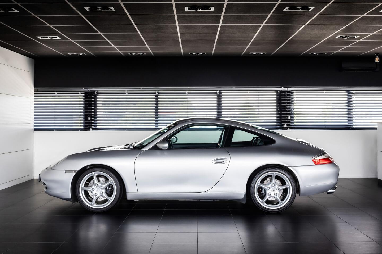 Porsche 996 Carrera 2 handgeschakeld Verkocht